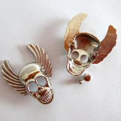 Nieten Schädelkopf mit Flügel